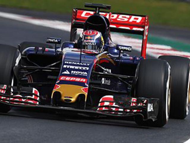 F1 Verstappen zárt az élen az első szabadedzésen Mexikóban