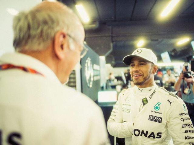 F1 Hamilton nehéz helyzetből hozta vissza Mercedesét az élre Barcelonában