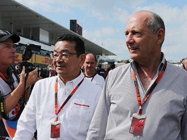 F1 Ron Dennis dühös, a Mercedes számon kér, Button kard nélküli szamuráj - Villámhírek az elmúlt 24 órából