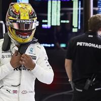 F1 Hamilton büntetéssel kezdi az Osztrák Nagydíjat