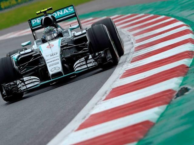 F1 Rosberg vezetésével újabb Mercedes első sort hozott a mexikói kvalifikáció