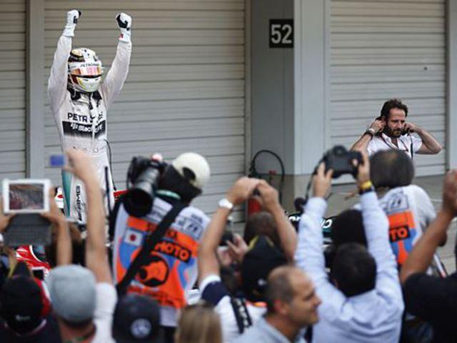 F1 Hamilton és a Mercedes visszatért a csúcsra