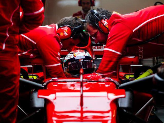 F1 Räikkönen Ferrarija zárt az élen a második tesztnapon