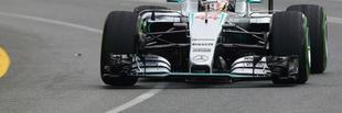 F1 Hamilton az élen, Rosberg a falban végzett a második szabadedzésen