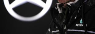 F1 A Mercedes nyerő autót akar adni Hamiltonnak, de számít a brit türelmére is
