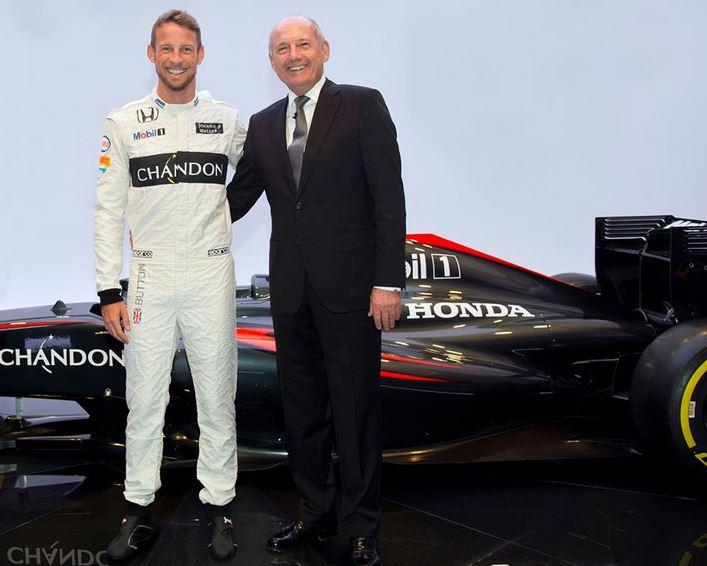 Button marad az F1-ben, a Manor Mercedes motorra vált - Villámhírek az elmúlt 24 órából