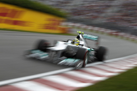 Rosberg a Mercedesben.jpg