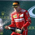 Hamilton elismerte Vettel tempóját, aki már tegnap sejtett valamit