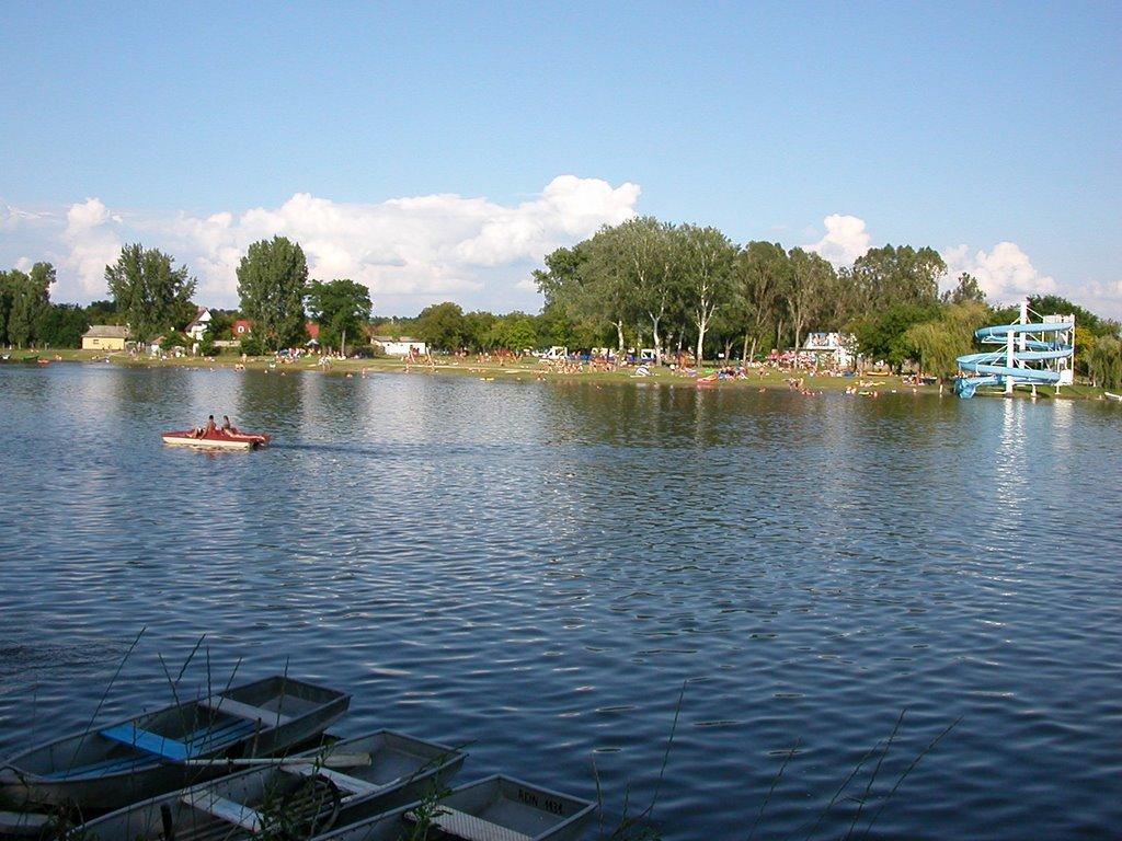 Mindenki nyugodjon le! - Öt tó, ahol olvasóink több napra is lehűthetik magukat