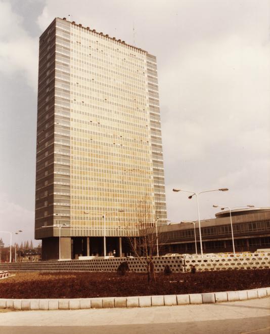 sote-nagyvaradter-1984korul-fortepan_hu-74611-semmelweisegyetemleveltara.jpg