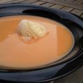 A nyár ízei: Mandulás barackkrémleves vaníliafagyival