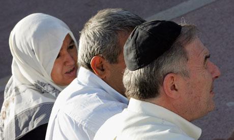 Muslim-headscarf-and-Jewi-010.jpg