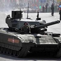 Hatalmas tankot nyomtatnak az orosz hadseregnek