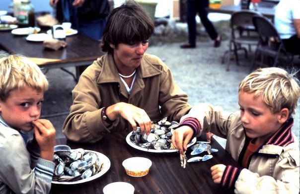 Családi kagylóevés New Englandban, 25 évvel ezelőtt