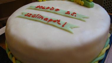 Vonatos marcipán torta
