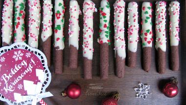 Íme egy cuki gasztro ajándék: fehér csokiba mártott kakaós pálcikák