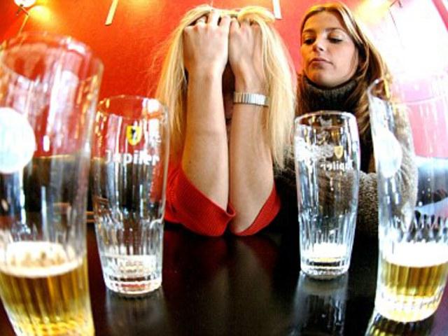 A női agyat jobban pusztítja az alkohol