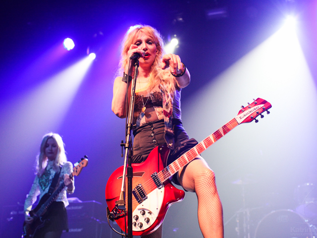 Ezer zenésszel lép fel Courtney Love