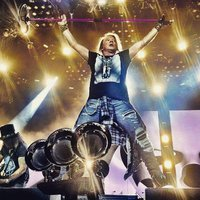 26 év után ismét bevette Riót a Guns N' Roses