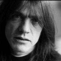 Meghalt az AC/DC alapítója, gitárosa