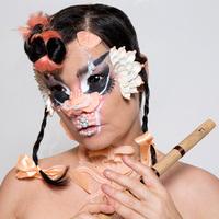 Björk már megint mit művelt?