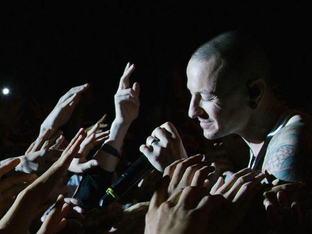 Vendégénekesekkel összeáll a Linkin Park egy emlékkoncert erejéig