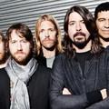 Rajongóit büntette a Foo Fighters