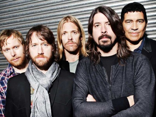 Rajongóit büntette a Foo Fighters