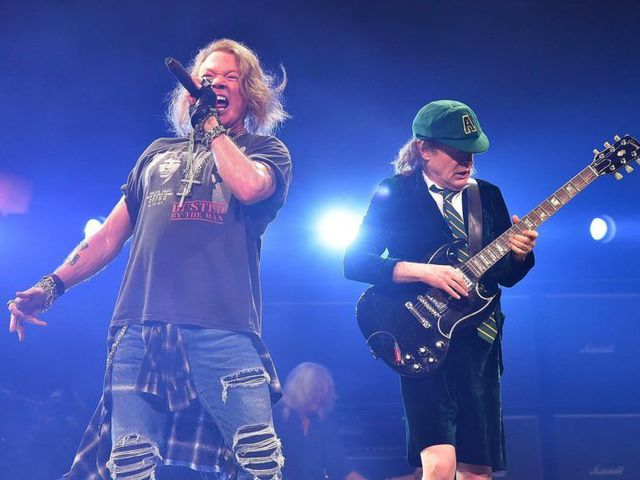 Angus Young kikotyogta: Axl dalol az új lemezen