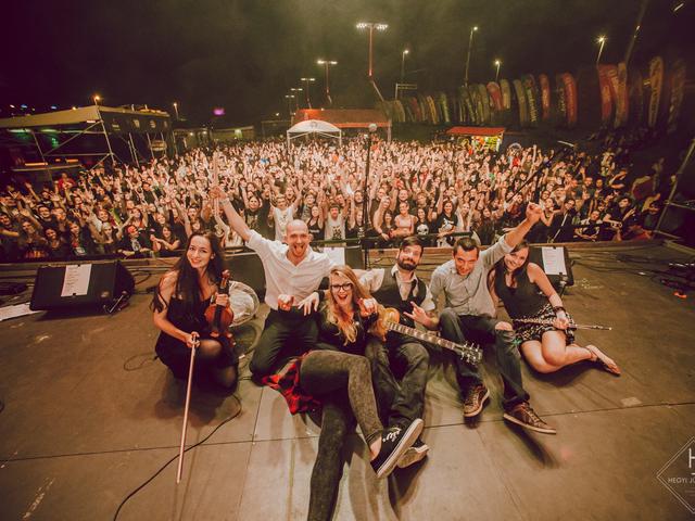 Viszkiről énekel a viszkis banda - Klippremier