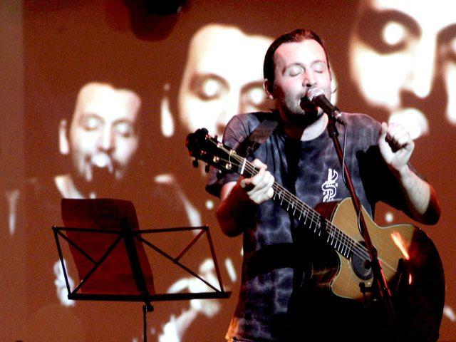 Bonanzát és Beatricét énekel Bérczesi Robi