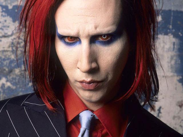 19 éve imádjuk Manson androgün földönkívülijét