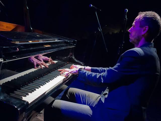 Megihlette a Machine Head a viharsarki zongoraművészt