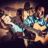 Egy szál gitárral is király Bérczesi Robi