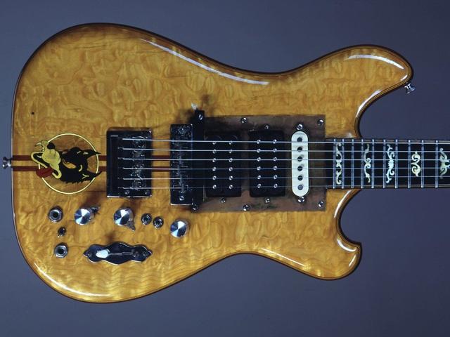 Félmilliárd forintért kelt el Jerry Garcia gitárja