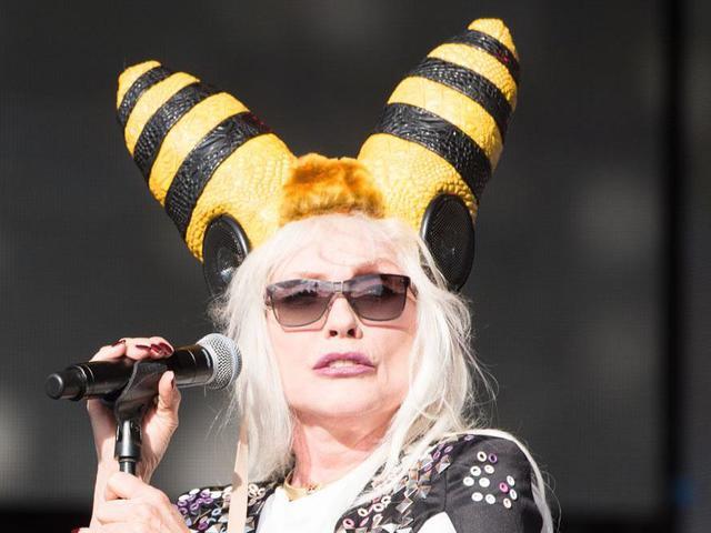 Méhkirálynővé alakult át Debbie Harry