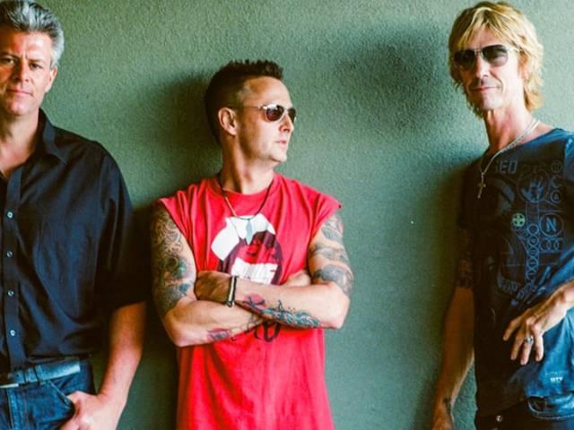 Szupercsapat Guns és Pearl Jam tagokkal