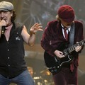 Fülmonitorral tér vissza Brian Johnson az AC/DC-be?