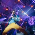 Több ezren énekeltek egy kazah népdalt a Kerekes Banddel