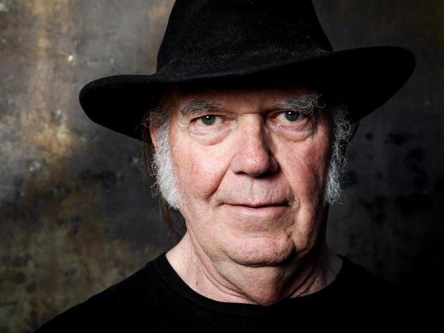 Neil Young keresztül vezet minket Amerikán