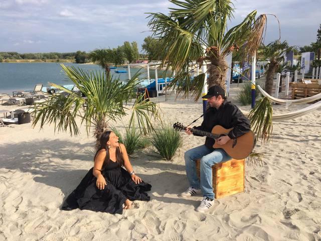 Visszacsempészi a nyarat a Szelidecske videóklipje