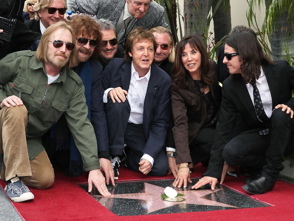 Hollywoodban, a hírességek sétányán ő is kapott csillagot