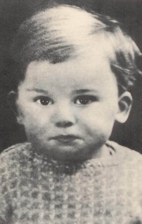 Harrison 1943. február 25-én született Liverpoolban