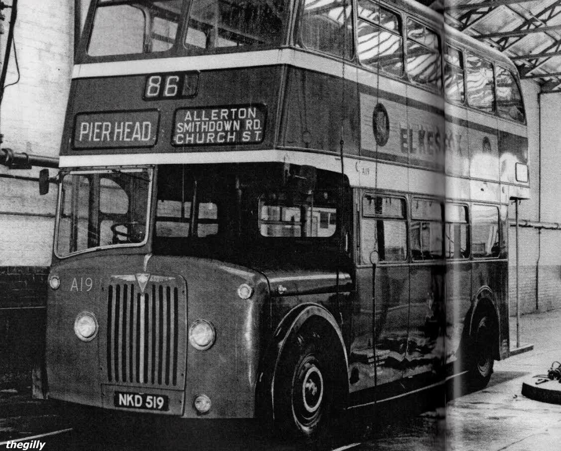 A híres busz, amelyen 7 éves gyermekként megismerkedett Paul McCartneyval