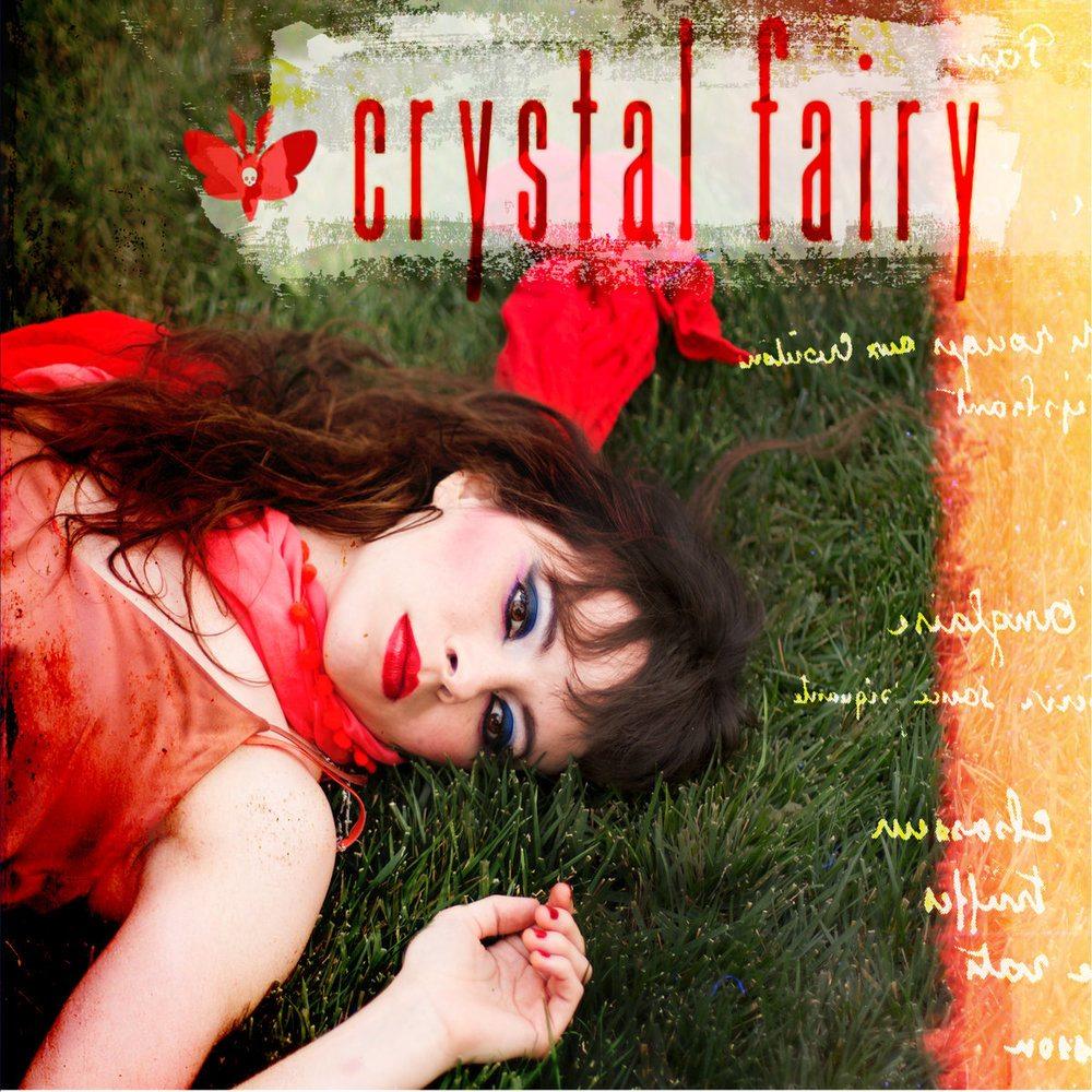 """4. Crystal Fairy – """"Crystal Fairy""""<br />A Crystal Fairy debütáló lemeze február 24-én jelent meg, és a Teri Gender Bender énekesnővel, a melvinses Buzz Osborne-nal felálló szupercsapat zenéje friss fuvallatként hatva, mégis a 90-es évek punk-rock világát megidézve vett le minket a lábunkról."""