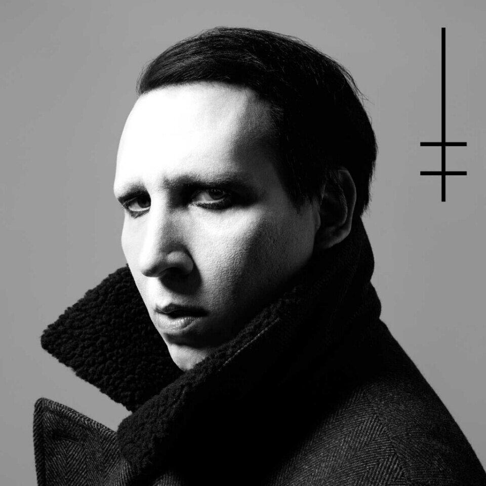 """8. Marilyn Manson – """"Heaven Upside Down""""<br />Manson korábban Valentin-napra ígért tizedik lemeze végül október 6-án jelent meg, és a sok évnyi erőlködés, félresiklás után a mester végre visszatért az alapokhoz - Antichrist Superstar, Mechanical Animals - közeli állapotokhoz."""
