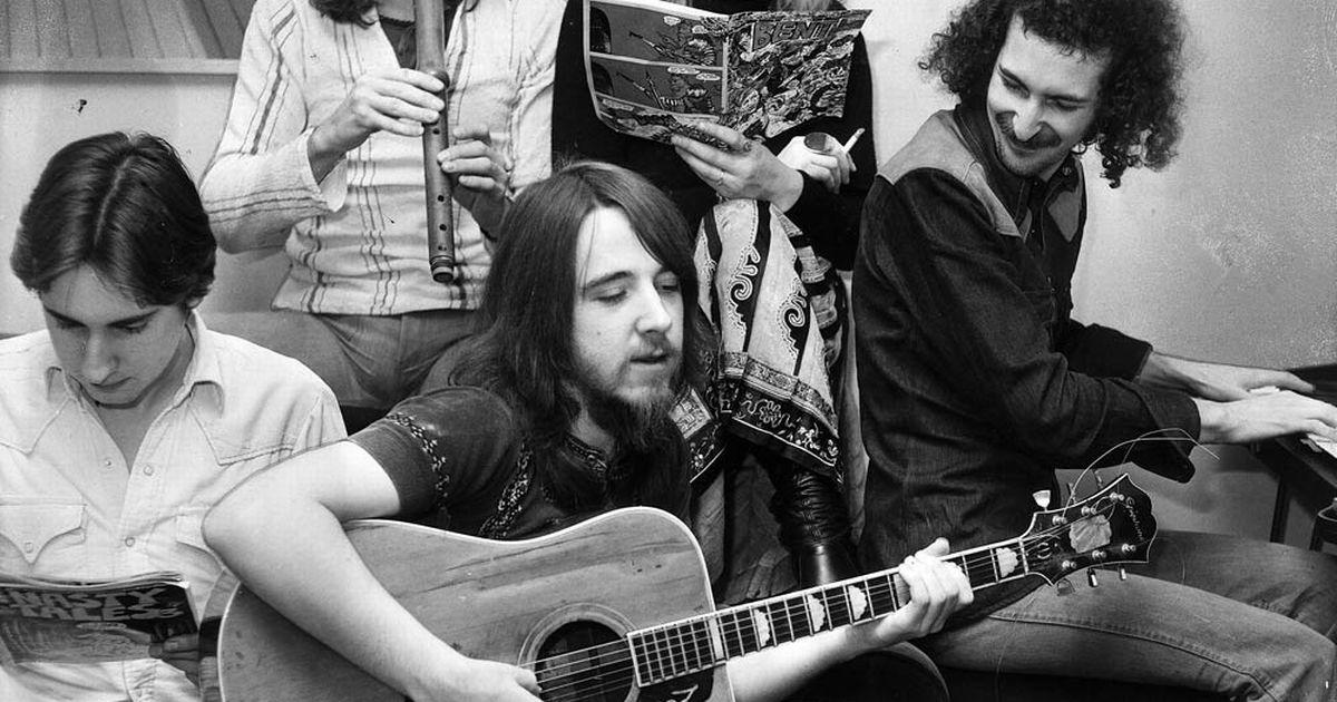 Leslie Harvey (1944. szeptember 13. – 1972. május 3.)  Az egyik legbizarrabb halált minden bizonyára a Stone the Crow gitárosa szenvedte el, több mint 1000 rajongó szeme láttára, amikor egy zárlatos mikrofon miatt megrázta az áram 1972-ben Swansea-ban.