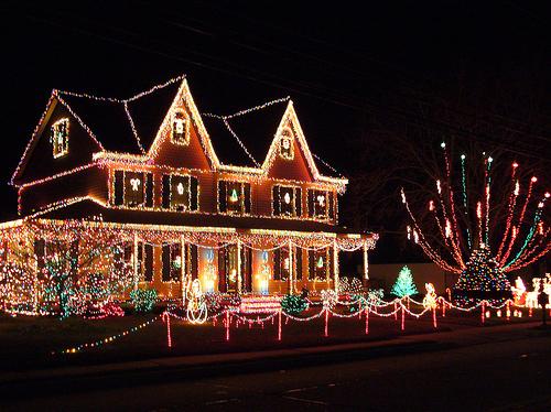 47266-christmas-house.jpg