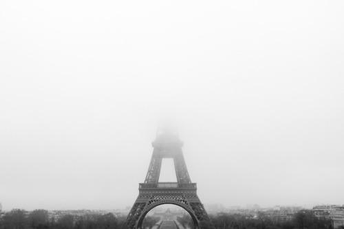eiffel-tower-in-fog.jpg