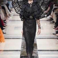 Hűsítő elegancia Armani bemutatóján